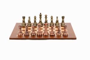 Фото бронзовых шахмат