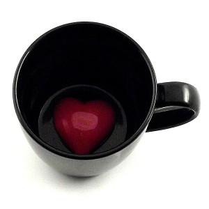 Фото кружки с сердцем на дне