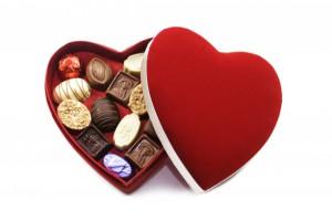 Фото конфет в коробке-сердечке