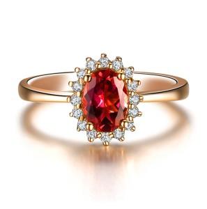 Фото золотого кольца с рубином