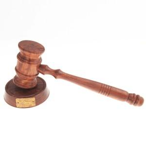 Фото молотка судьи