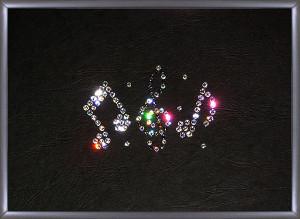 Картина с нотами из кристаллов
