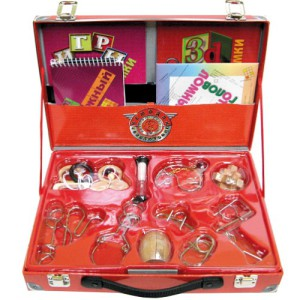 Фото чемодана с головоломками