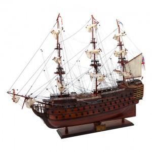 Фото модели корабля