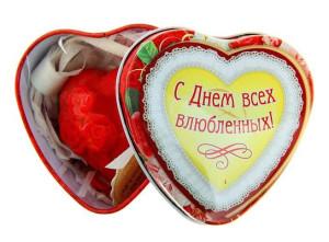 Фото шкатулки с надписью с днем всех влюбленных