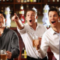 Фото друзей в баре