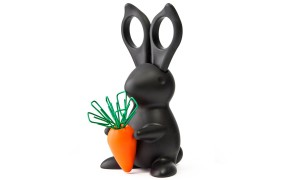 Фото канцелярского набора в виде зайца