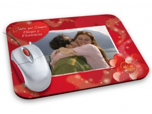 Коврик для компьютерной мыши с фотографией семейной пары